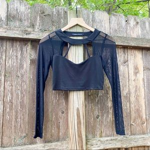 FOREIGN EXCHANGE cropped top key hole top black S